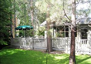 Walk to the Deschutes River, Private Hot Tub, AC, Ping Pong, Foosball