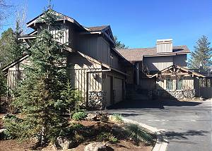 Lone Eagle #8: incredible location in Sunriver, 3 Master Suites, Hot Tub, A/C