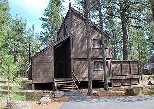 Come Enjoy This Cabin In The Woods, Hot Tub & Pet Friendly, 8 SHARC PASSES!