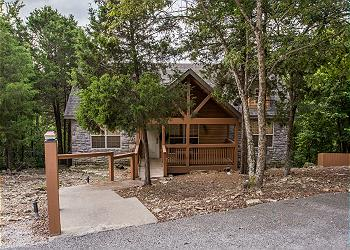 Peaceful Path Cabin / 115914
