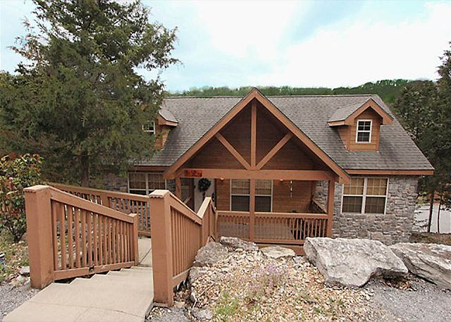 Dakota lodge cabin rentals branson missouri rental cabins for Branson condos and cabins for rent