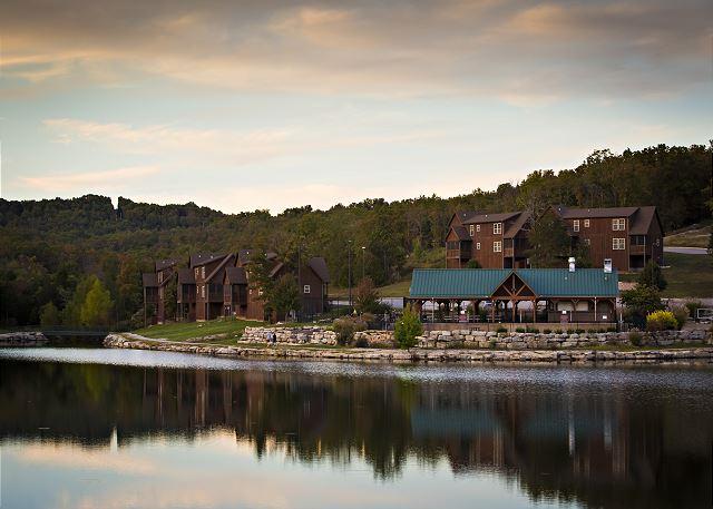Black Shadow Lodge Mo Vacation Homes Amp Cabins Sunset