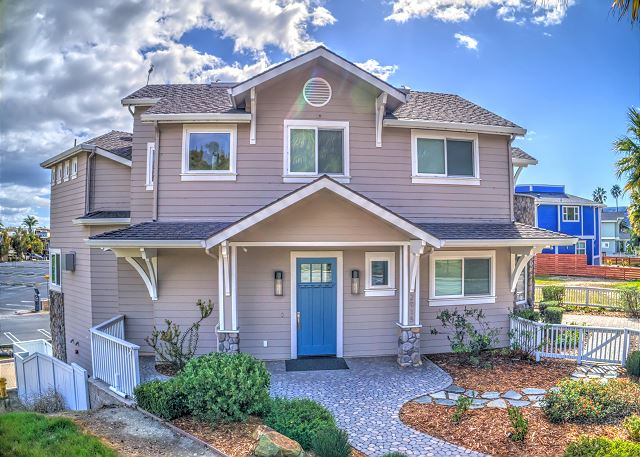 Welcome to Beach Dreamer. Located on Avila Beach Drive, Avila Beach CA