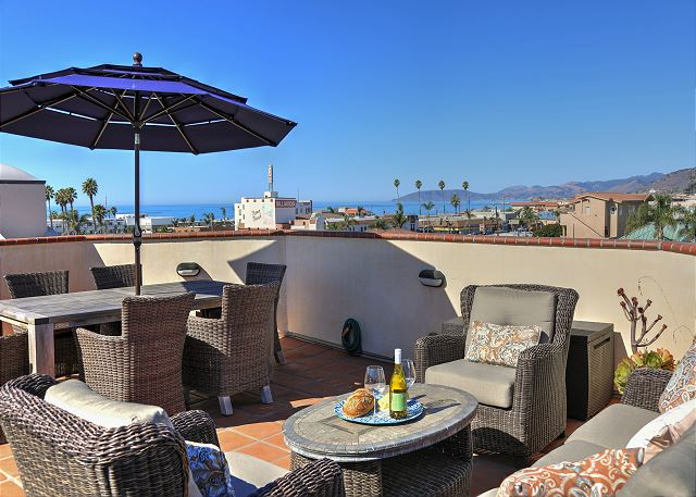 Welcome to Endless Summer. Enjoy 360 mountain, ocean and downtown views.