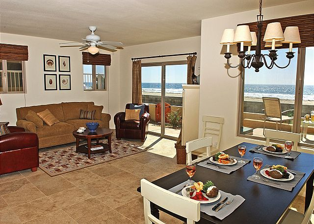 Great family oceanfront condo! 2 floors with groundfloor patio, tandem garage - San Diego, California