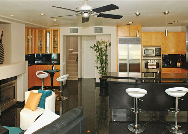 Luxury oceanfront penthouse! Recently redecorated, amazing views! - San Diego, California