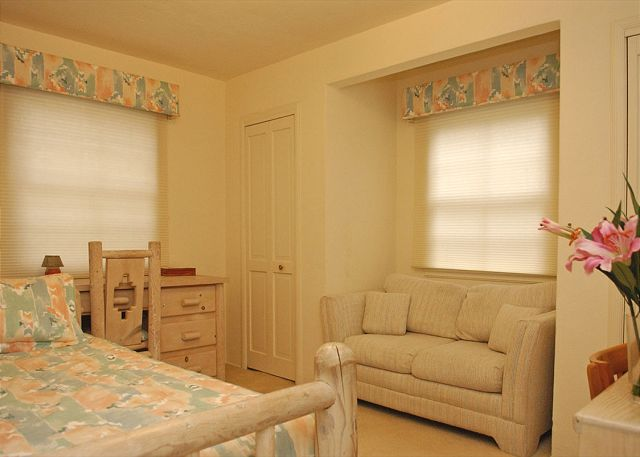 Crown point house for rent 3440 yosemite san diego ca - Bedroom furniture little rock ar ...