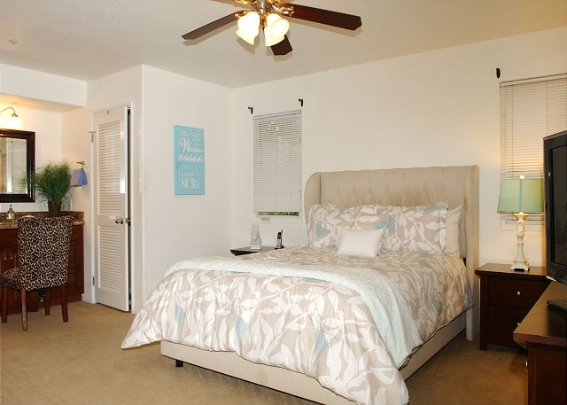 Two bedroom, two bath hidden charm in South Mission - San Diego, California