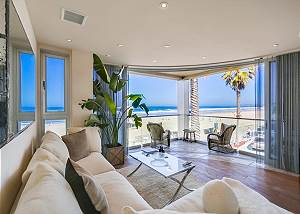 3695 Ocean Front Walk - Luxury Seas