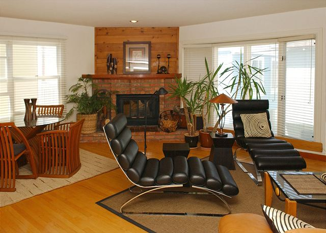 Dual level townhome with large deck!