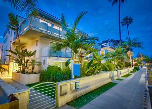 806 Ensenada Court - Majestic Palms