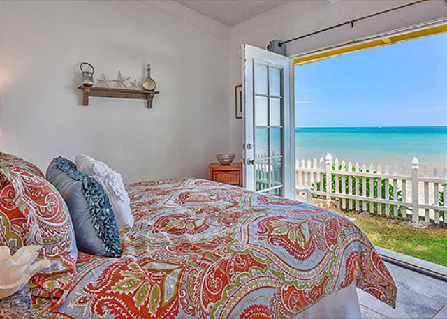 * Gidget's Beach Bungalow - Beachfront