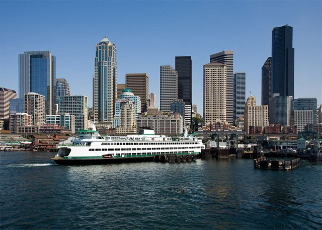 Picturesque downtown Seattle is a 15 minute drive away