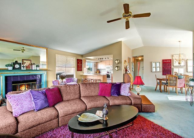Bright, festive great room with plenty of space for the whole family