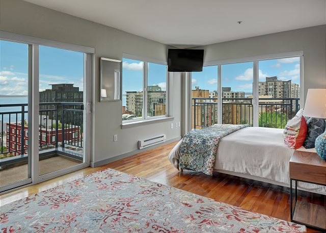 Stay in bed all day for the luxurious views!