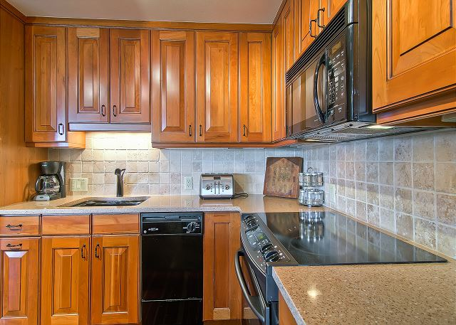 Kitchen is well organized and fully equip with every thing you need for breakfast,lunch and dinner meals.