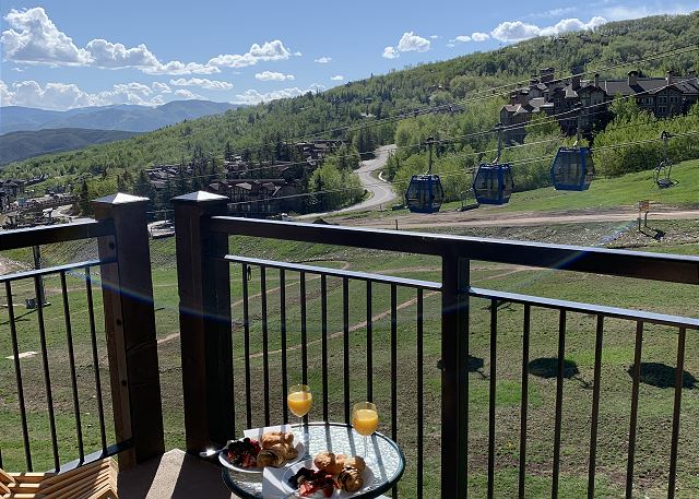Enjoy breakfast on this balcony and take in the fabulous views Snowmass Ski Resort has to offer.  Breathtaking!