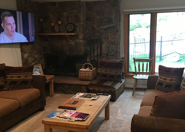 Enjoy views of the slope and relax in front of a large flat screen TV and a nice fire.