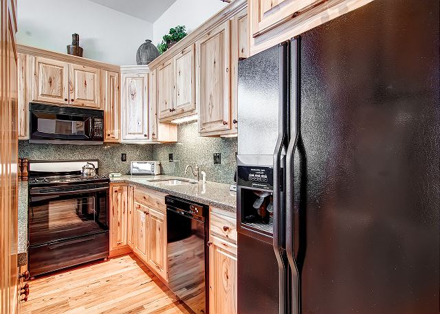 Beautiful kitchen with everything you need.
