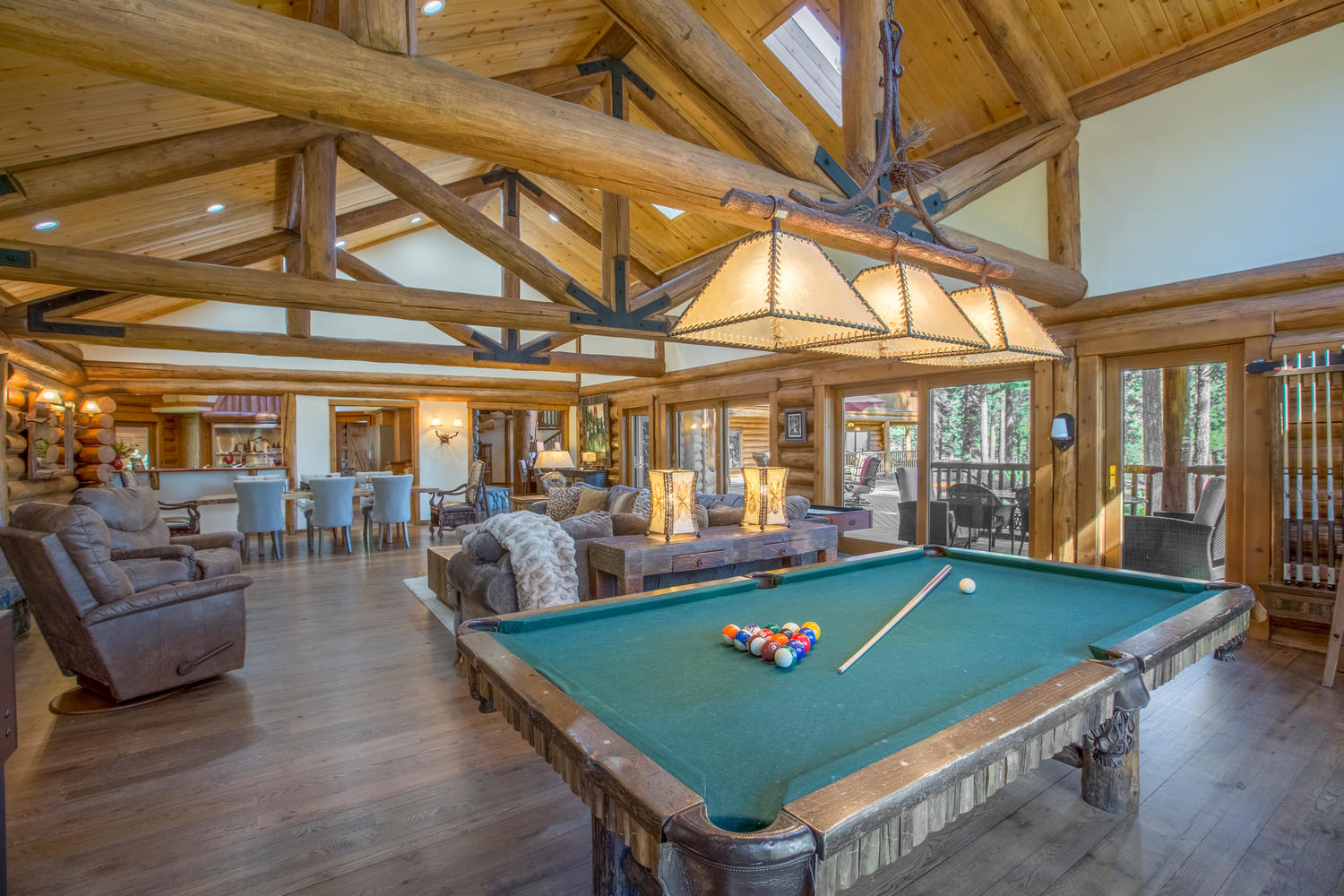 Game room at Bear Paw Lake View Lodge