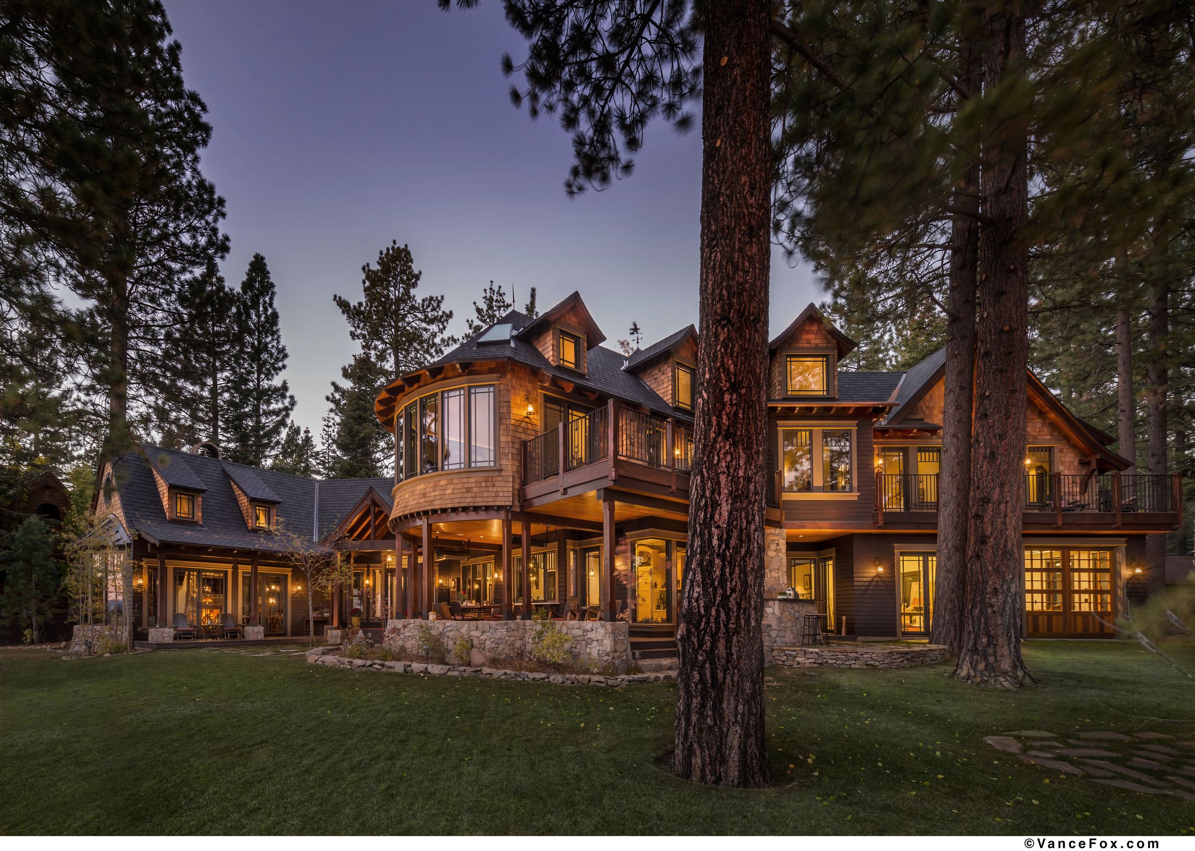 New home spotlight tewesi tahoe lakefront lodge lake for Luxury lake house