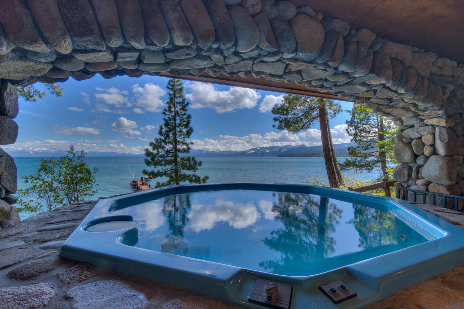 Hot tub on Lake Tahoe