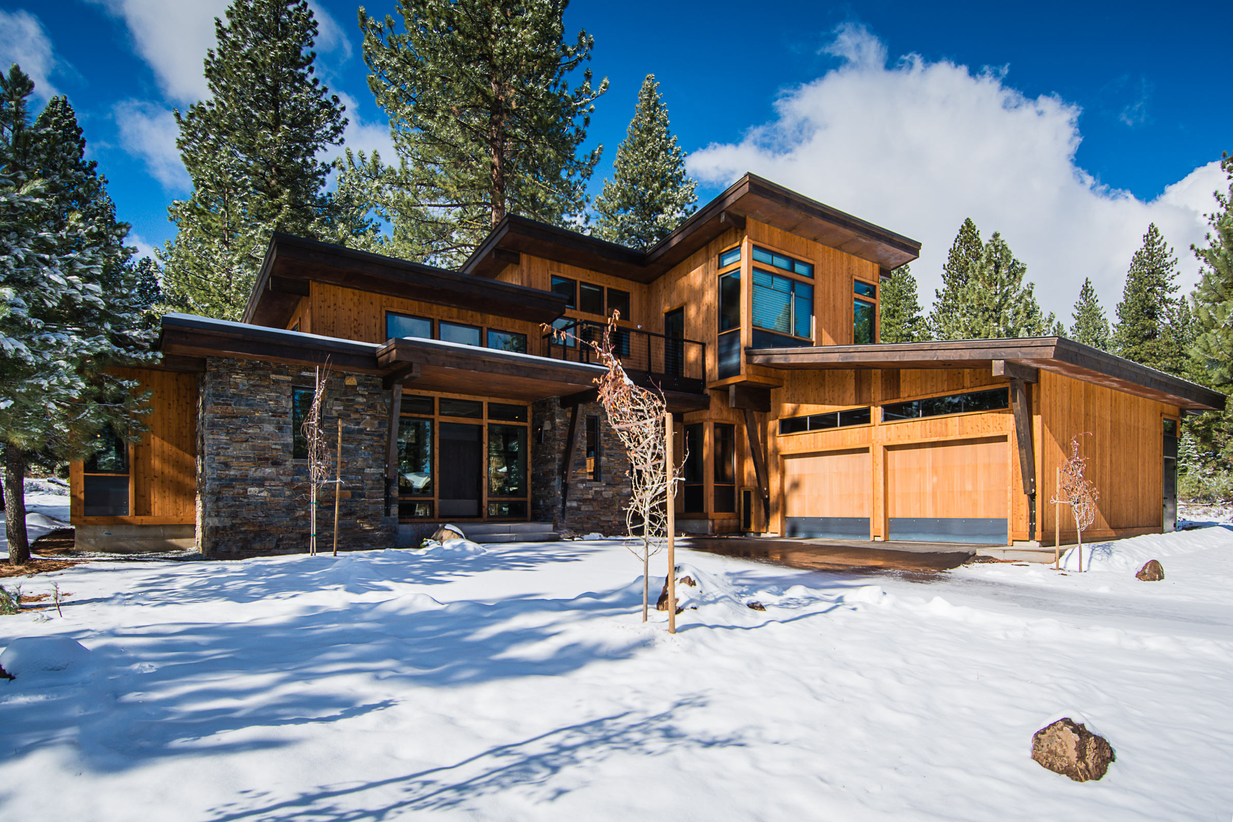 Featured tahoe home mountain modern at schaffer 39 s mill for Modern mountain house