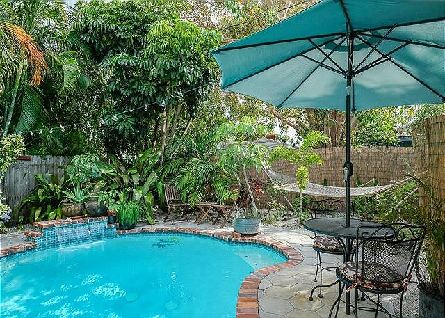 Gull Reef Historic Hideaway Pool Sleeps 10, 3310