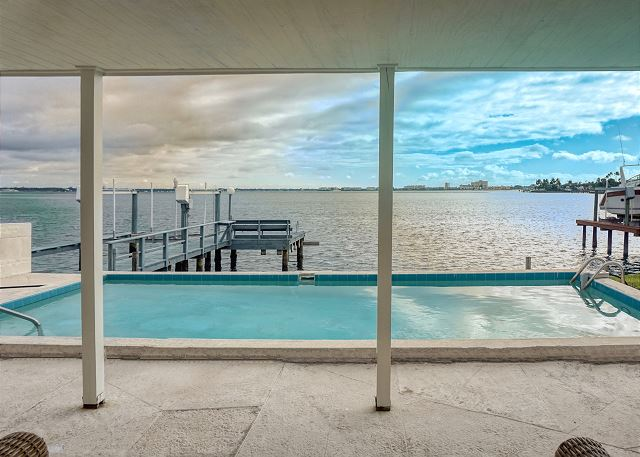 Plaza Way Waterfront Home St. Pete Beach 2/2 4535