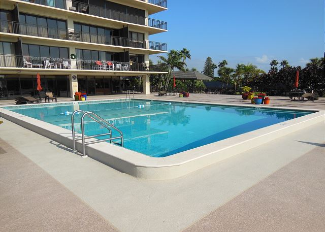 Sunset Beach Water Views With Pool 7600