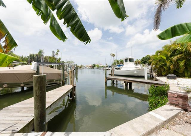 Madeira Beach Dock Waterfront B mbb
