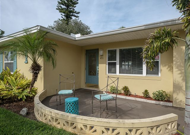 St Pete Beach Charming 3Bed, 2Bath Beachy Vacation Home 471