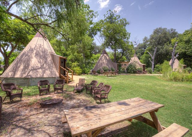 Seguin (TX) United States  city photo : Seguin, TX United States Geronimo Creek Retreat Tipi 0 Bird Sings ...