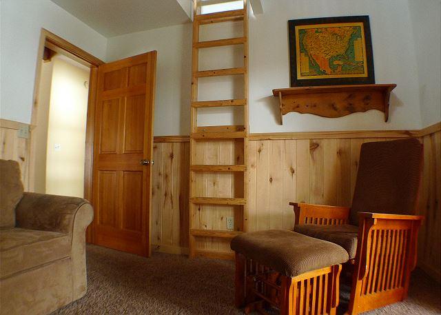Den with sleeping loft