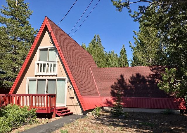Charming Tahoe Donner A-Frame - Near Ski Hill