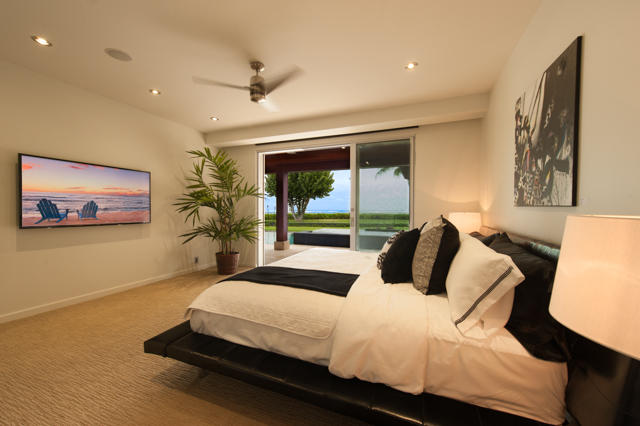 First Floor Bedroom Poolview