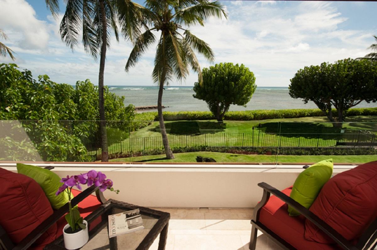 Master Bedroom Oceanfront Balcony