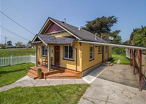 The Potter's Bungalow - Vintage Charm, Walk to Farmer's Market