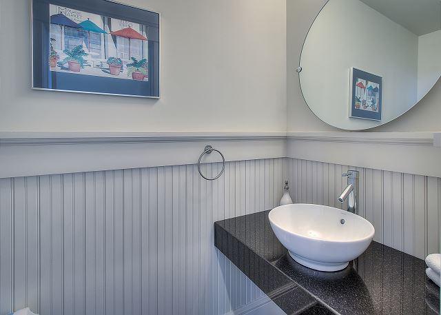Third Floor: Loft Bathroom