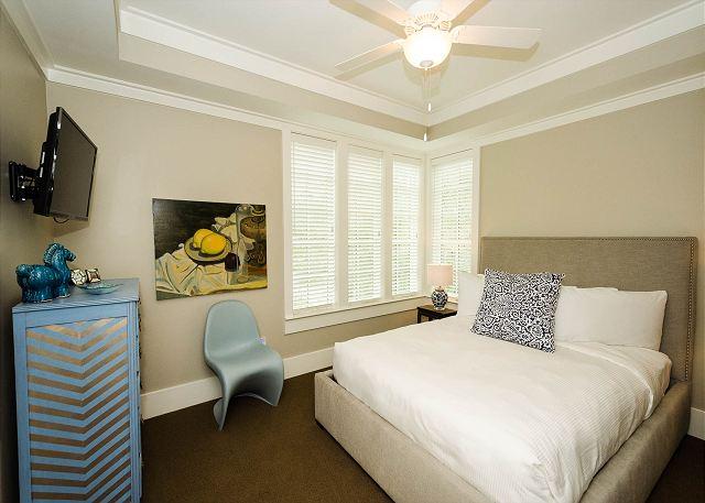 Second Floor: Queen Guest Bedroom