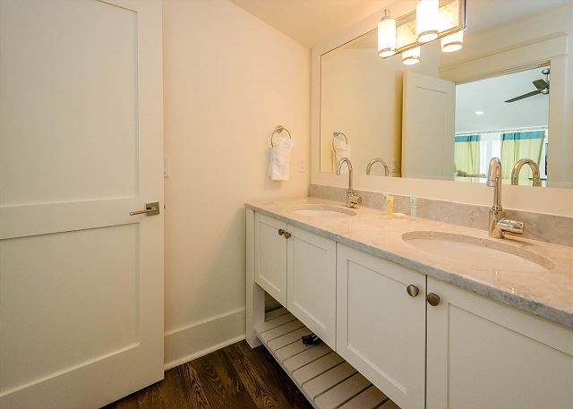 Guest Bathroom, Third Floor