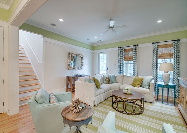 First Floor: Living