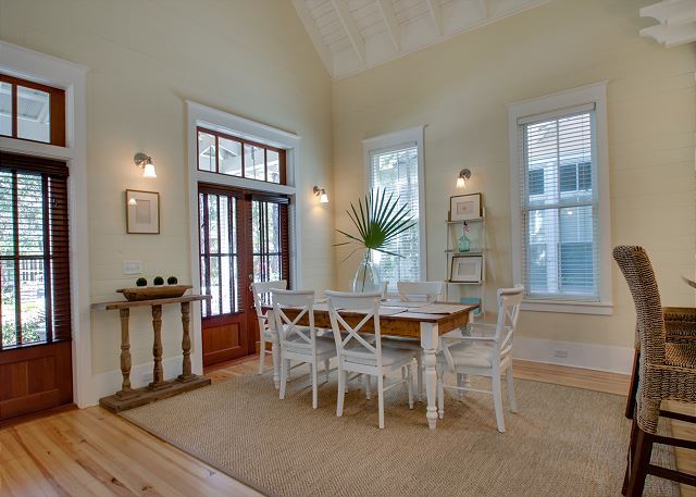 First Floor: Dining Area