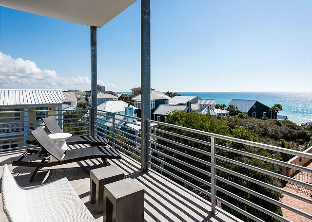 Top Floor Panoramic Beach Views