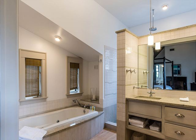 Second Floor, Master Bathroom