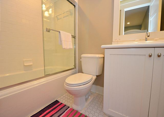 Guest Bathroom, Second