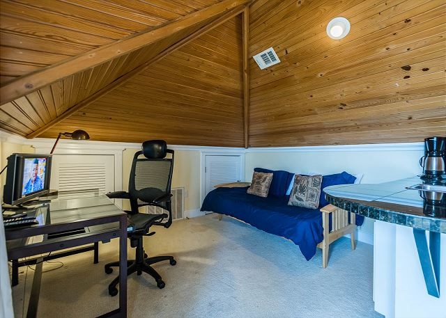 Third Floor: Loft Area