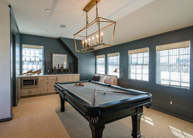 Third Floor: Pool Room