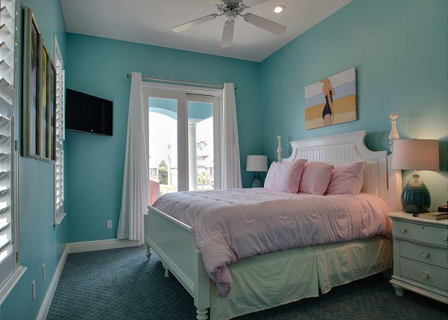 Third Floor: Guest King Bedroom