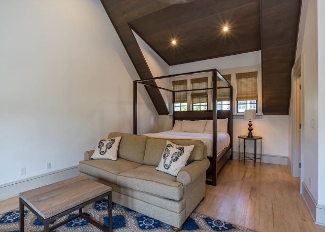 Carriage House, Bedroom